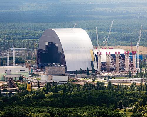 Ocynkowana konstrukcja sarkofagu w Czarnobylu
